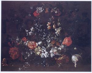 Bloemen rond op een stenen cartouche