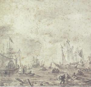 Kustgezicht met schepen en vissers