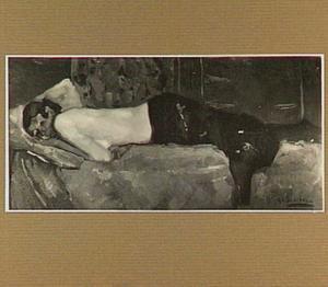 Vrouw op een divan