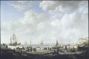 Strandgezicht met voor anker liggende oorlogsschepen