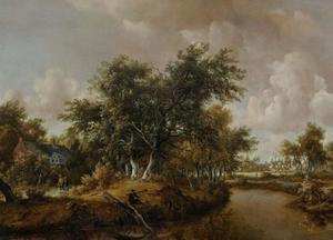 Bebost landshap met visser aan een beek en wandelaars