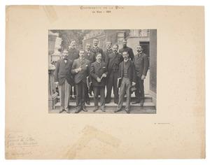Groepsportret van het secretariaat van de Haagse Vredesconferentie in 1899
