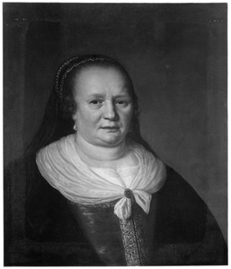 Portret van een oudere vrouw met juwelenkapje met sluier