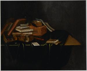 Boekenstilleven op een tafel