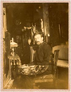Portret van de schilder Anthony Coert (1872-1939) in zijn atelier