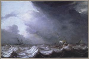Vissersschepen in zwaar weer