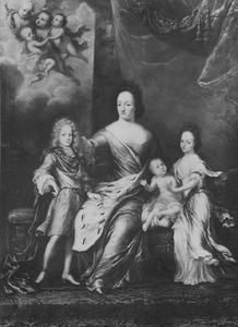 Portret van de Zweedse koningin Ulrika Eleonora (1656-1693) met haar kinderen