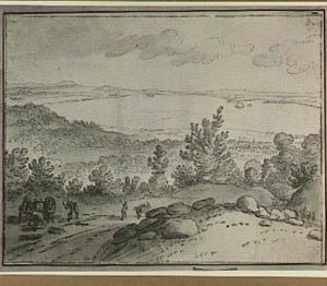 Heuvellandschap met op de achtergrond een meer