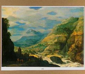 Weids berglandschap met snelstromende rivier, waarlangs een pad met reizigers