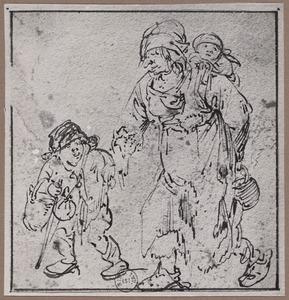 Lopende zigeunerin met kind op de rug en jongetje