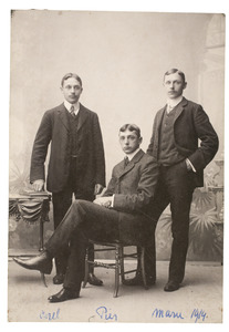 Portret van Carel Frederik Gülcher (1883-), Jan Marie Gülcher (1885-) en Pieter Constantijn Gülcher (1886-1940)