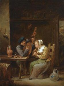 Een musicerend paar in een herberg en een vrouw die vanachter de deur toe kijkt