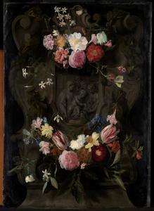 Cartouche versierd met bloemen rondom een voorstelling van de heilige familie