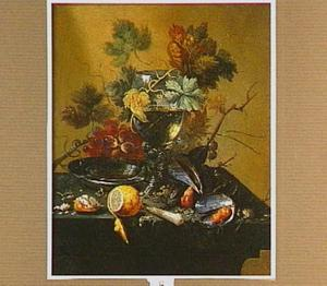 Stilleven met een roemer, citroen en mosselen