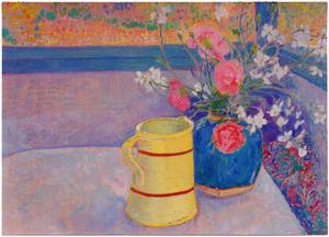 Bloemen in gemberpot naast gele kan