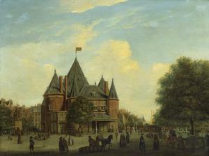 De Nieuwmarkt te Amsterdam met de Waag, rechts een porseleinkraam