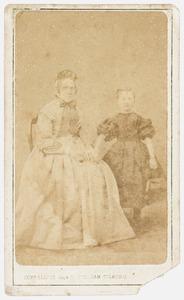 Portret van Elisabeth Wilhelmina van Leeuwen (1813-1870) en Helena Brummelkamp (1858-1931)