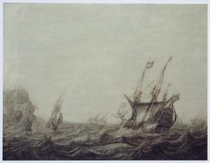 Hollandse pinas, fluitschip en andere vaartuigen bij storm voor een bergachtige kust