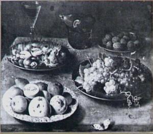 Stilleven met vruchten en noten