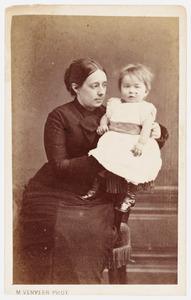 Portret van Geertruida Ketelaar (1846-...) en Christina Adriana Lucretia Catharina Thomassen a Thuessink van der Hoop van Slochteren (1878-...)