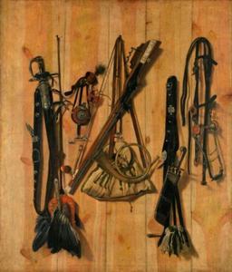 Jachtgerei tegen een houten wand