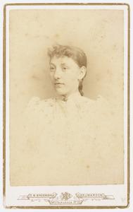 Portret van Aaltje van Iterson (1875- )