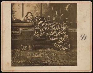 Meisje in kimono (Geesje Kwak)