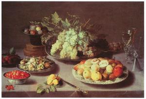 Vruchtenstilleven met glaswerk