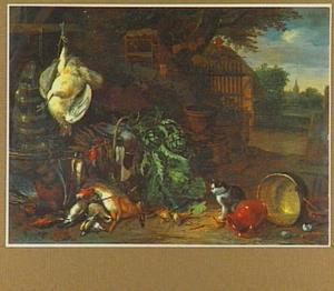 Boerenerf met links een stilleven van dood gevogelte, jachtbuit en een mand groenten met daarbij een kat; rechts een doorzicht op een dorp