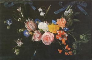 Guirlande van bloemen hangend aan twee blauwe strikken