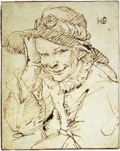 Glimlachende jongeman met hoed, leunend op zijn elleboog