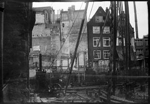 Een bouwput op de Nieuwendijk te Amsterdam