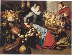 Een koopvrouw van groente en fruit rekent af met een jongen