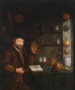 Een arts zittende in zijn studeerkamer