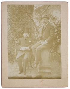 Portret van Otto baron van Hogendorp (1858-1936) en Otto Jan Herbert graaf van Limburg Stirum (1855-1909)