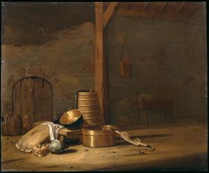 Boerderijstilleven met ketels, een karnton en een juk