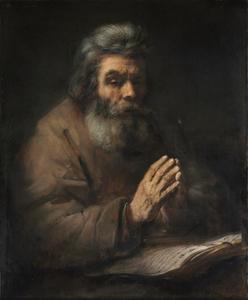 Oude biddende man