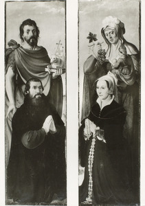 De H. Johannes de Doper met stichter (links); De H. Anna-te-Drieën met stichtster(rechts)