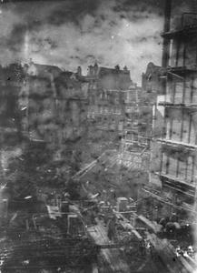 Een bouwput aan de Nieuwendijk te Amsterdam