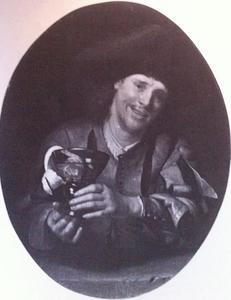 Glimlachende man met een berkemeier