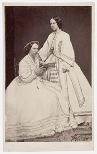 Dubbelportret van Louise van Oranje-Nassau (1828-1871) en Marie van Oranje- Nassau  (1841-1910)