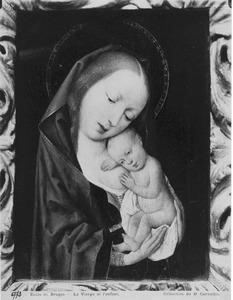 Maria met kind rustend op haar borst