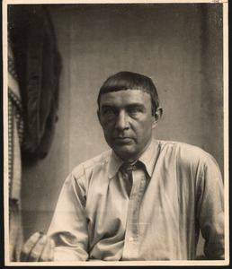 John Raedecker in zijn atelier, Caris (Paris?)