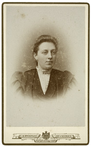Portret van Maaike Heeg (1874-1936)