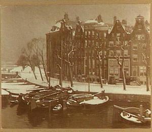 Binnenkant te Amsterdam met sneeuw