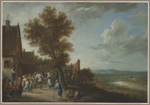 Dansende boeren voor een herberg, op de achtergrond een weids landschap