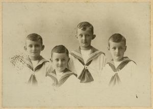Portret van vier onbekende jongens