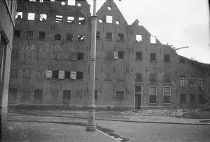 De afgebroken pakhuizen De Dageraad aan de Planciusstraat te Amsterdam