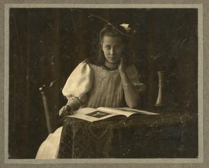 Portret van Alide Bernardine van Houten (1895- )