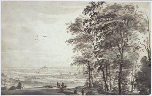 Panoramalandschap met rechts hoge bomen